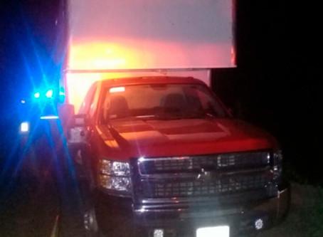 Pick-Up con ilegales huye de la policía en Jáltipan y le disparan: un muerto y un herido el saldo
