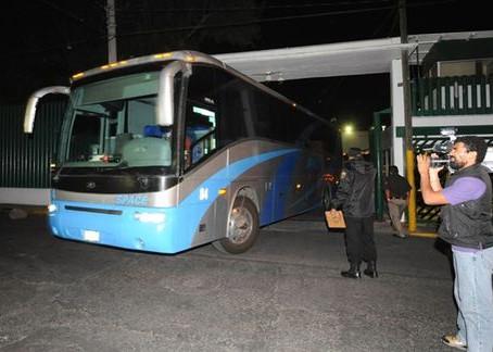 Ejército Mexicano detiene a Coyote con 18 chapines en Tehuantepec