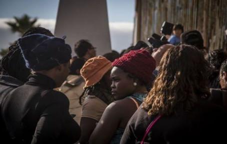 México entregará 4 mil visados a haitianos varados en Tijuana