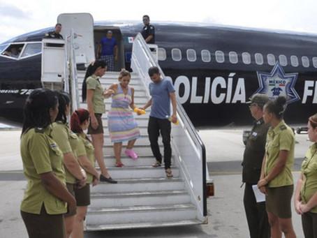 ¿Qué pasará con los cubanos y haitianos varados en Tapachula ahora que México suspendió la entrega d
