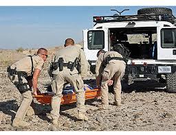 Border Patrol rescata a 8 ilegales que se asfixiaban en una U-Haul: el Coyote los abandonó bajo llav