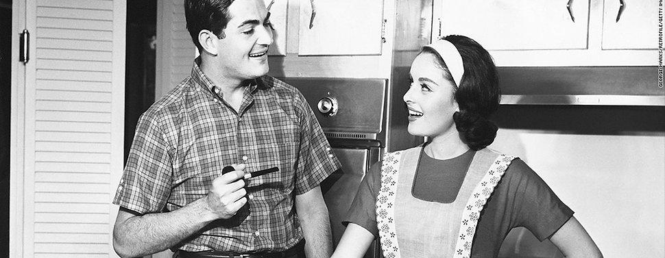 131101154733-vintage-couple-ironing-1024