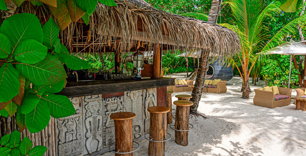 moofushi-maldives-2020-totem-bar-01_hd.j