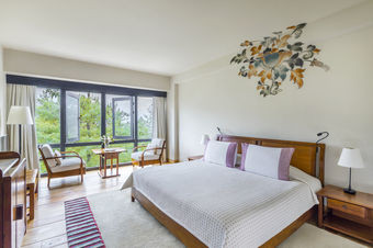 Valley View Room