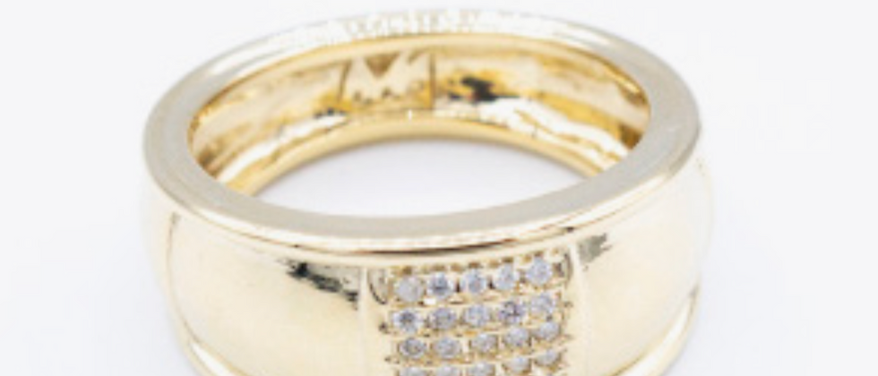 Band Ring with Diamond