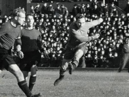 7 июня 1942 г. на зеленом поле стадиона «Спартак» при большом скоплении зрителей...