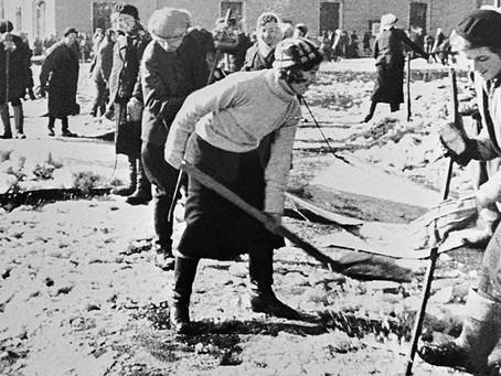 С 1942 г. в Новосибирске сложилось «очень тяжелое» положение с очисткой города...