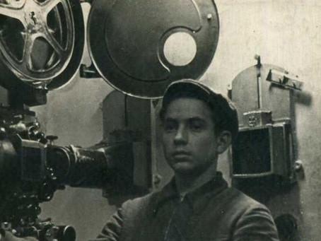 В 1941–1945 гг. в Новосибирске работали курсы киномехаников звукового кино...