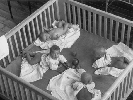 В связи с эвакуацией в Новосибирск 120 детей грудного возраста из Ленинграда...