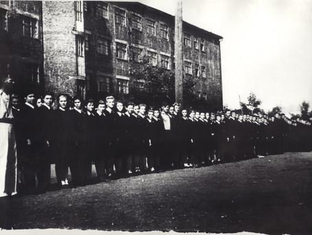 Всего по Новосибирской области на 1 декабря 1941 г. обучалось: в ремесленных училищах...