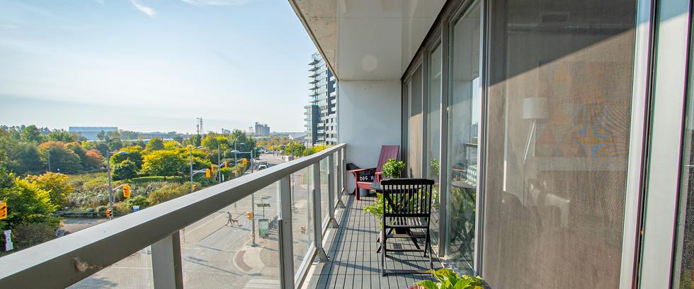 Balcony2.jpg