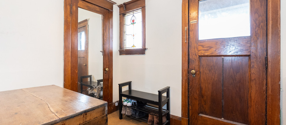 2nd fl-foyer.jpg