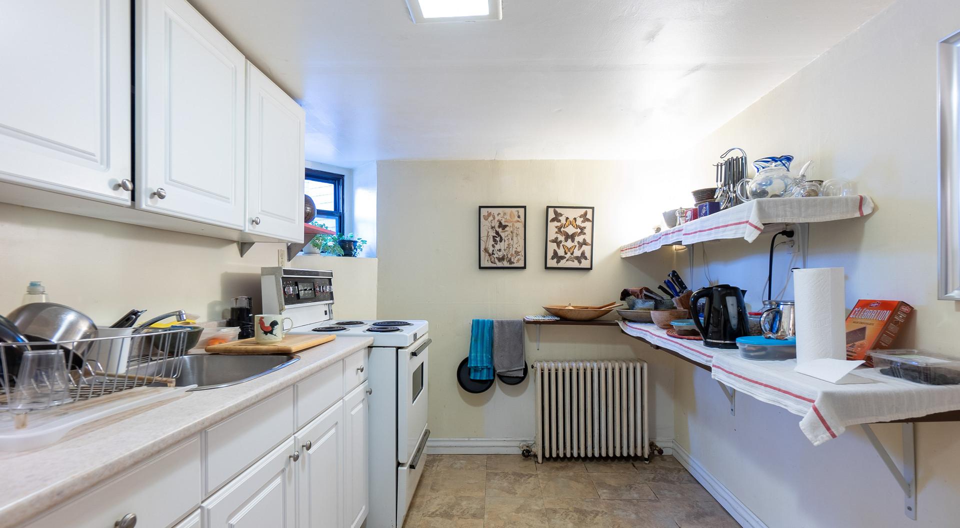 Basement kitchen2.jpg