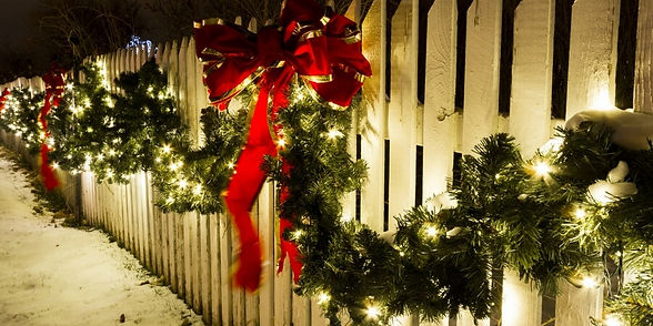 step-by-step-guide-outdoor-holiday-lighting-2.jpg
