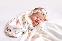 Anička_newborn_web_10