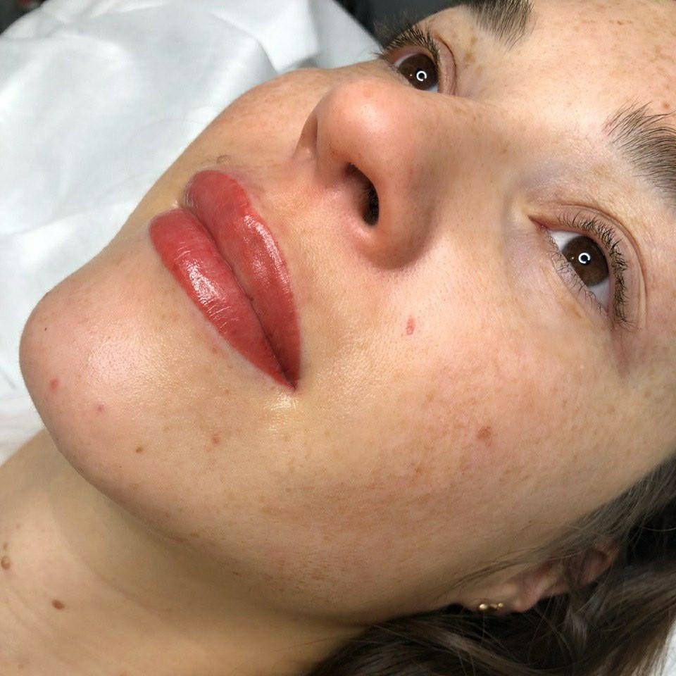 Микроблейдинг. Акварельные губы