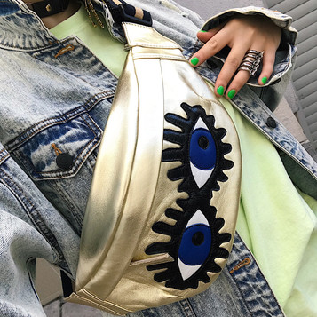 Leather bumbag with applique