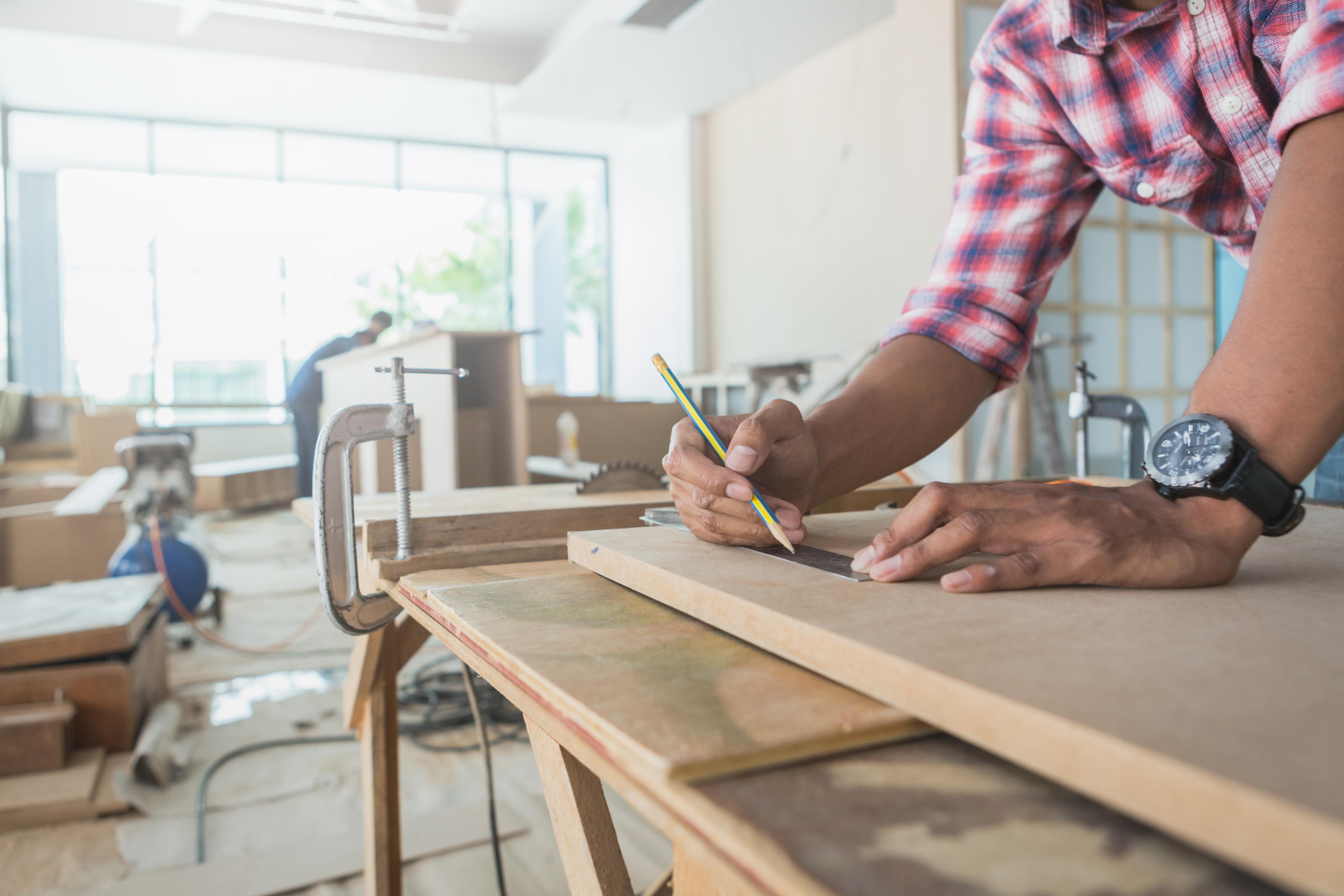 decorator-working-design-inspect-plywood