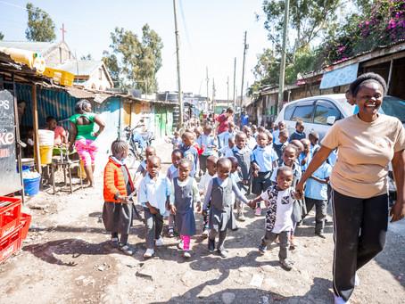"""Einsatz in der Slum-Schule """"Rekebisho"""""""