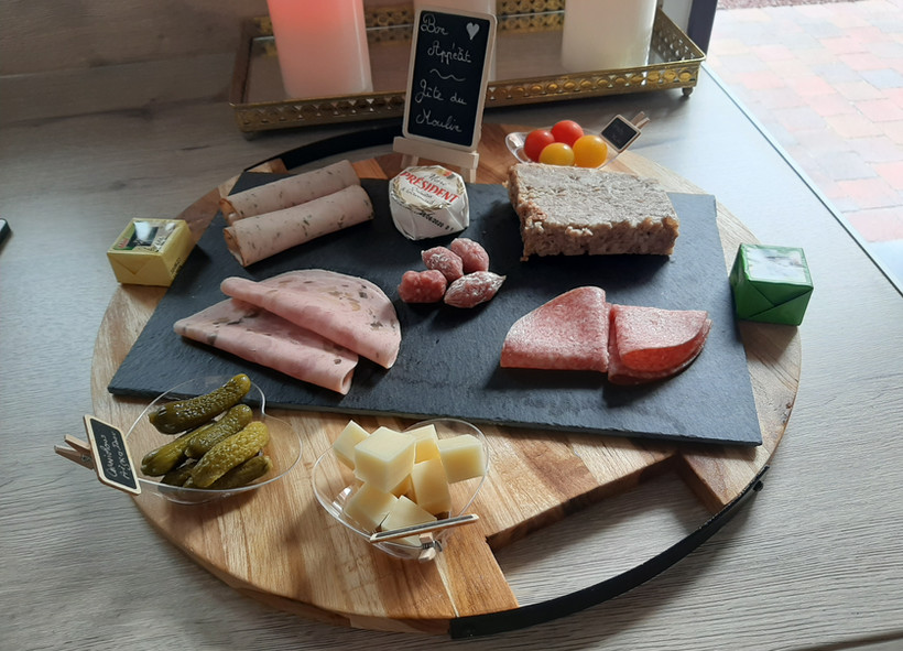 1er petit plateau charcuterie fromage