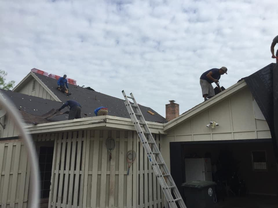 contractor repairing roof in Austin, Texas