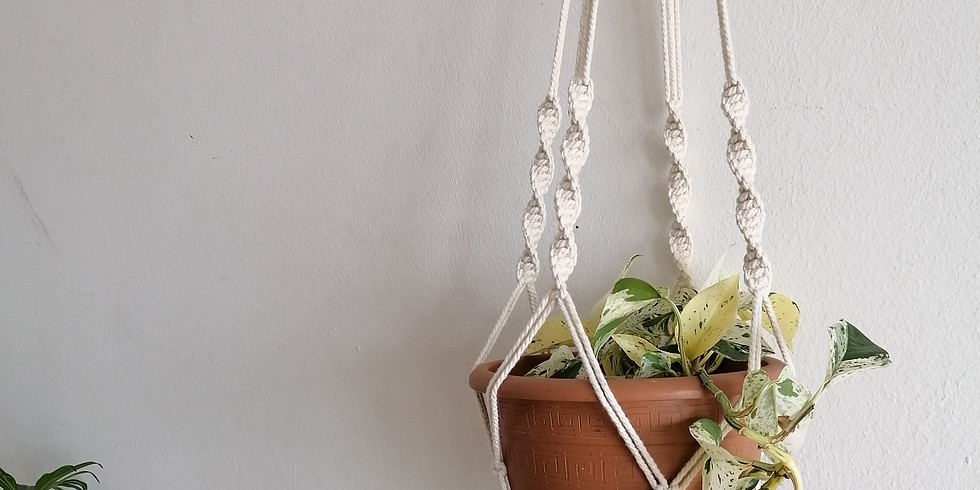 Macrame Weaving with Brittany Stroebel (R480)