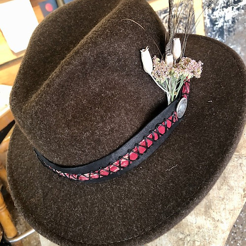 Hiker + Deerh Hide + Bandana Hat