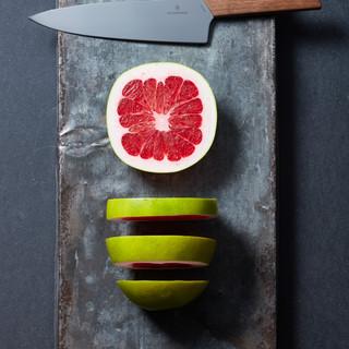 Swiss_Modern_Carving_Knife_3.jpg