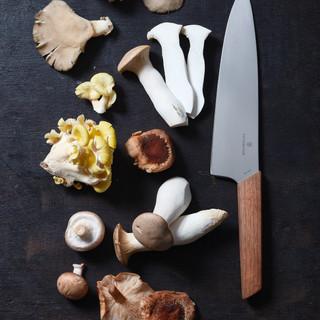Swiss_Modern_Carving_Knife_1.jpg
