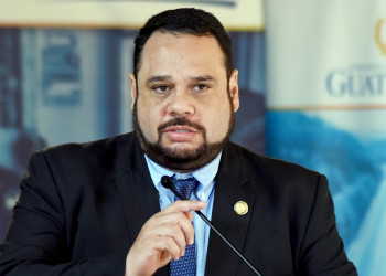 Guatemala: Prosecutor links the dirty money with the issuance of a warrant for the arrest of former