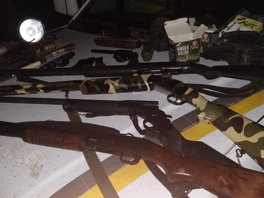 Policia Ambiental realiza prisão por porte ilegal de arma de fogo e caça ilegal em Livramento