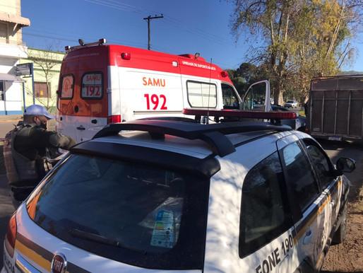 Acidente envolvendo dois carros deixa mulher ferida no bairro Prado