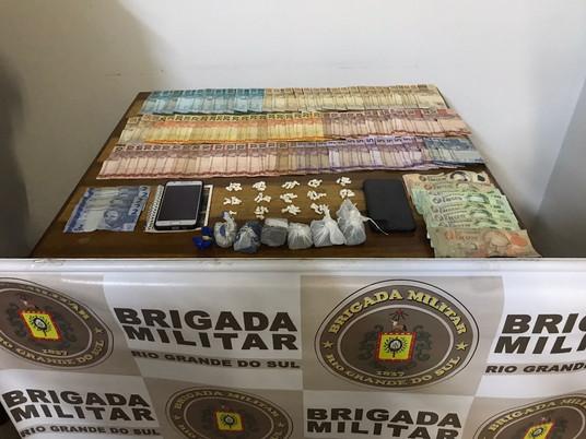 Brigada Militar realiza prisão em flagrante por tráfico e drogas em Livramento