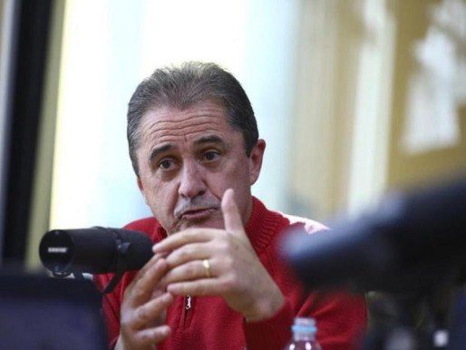 CBF quer cobrar de emissoras de rádio por direitos de transmissão