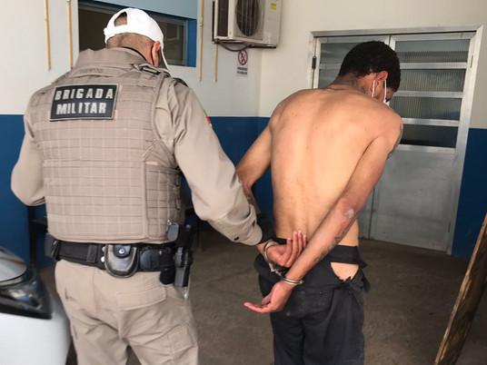 Assalto no centro termina com prisão de homem em Livramento