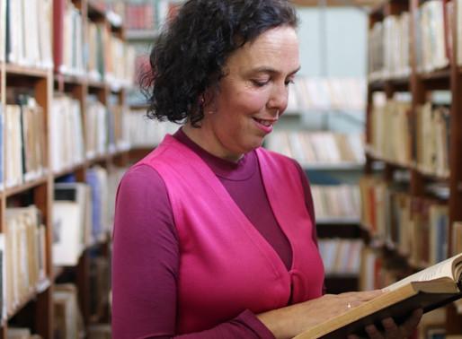 Entre Vírgulas: O prazer de cheirar o livro!