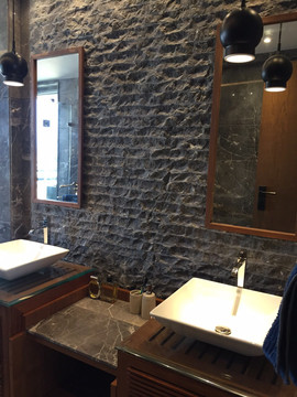industrial interior design bathroom wall