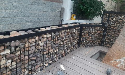MS Welded Mesh Frame Gabion With Pebbles.png