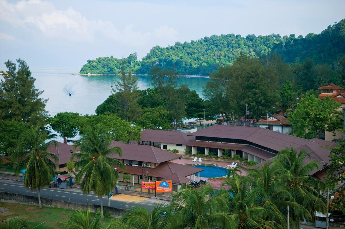 pakej-pulau-pangkor-sandy-beach-resort-surround1