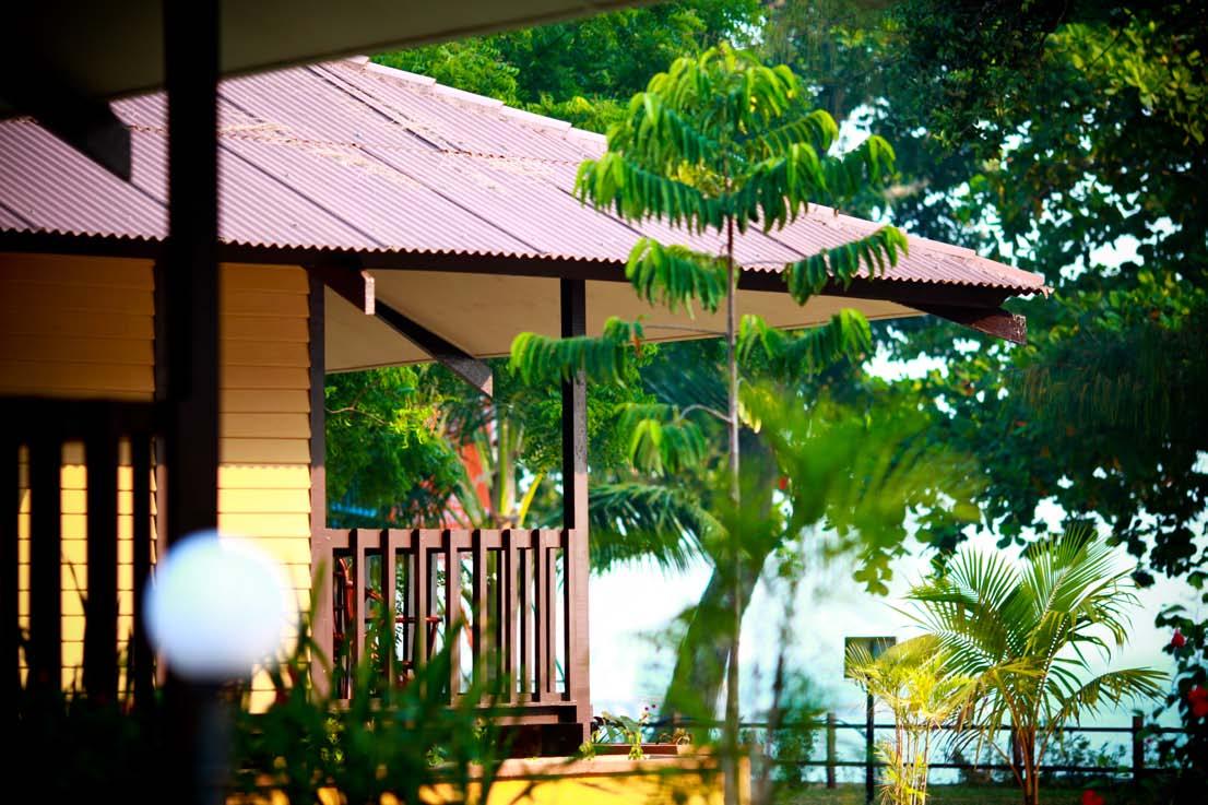 pakej-pulau-pangkor-sandy-beach-resort-chalet