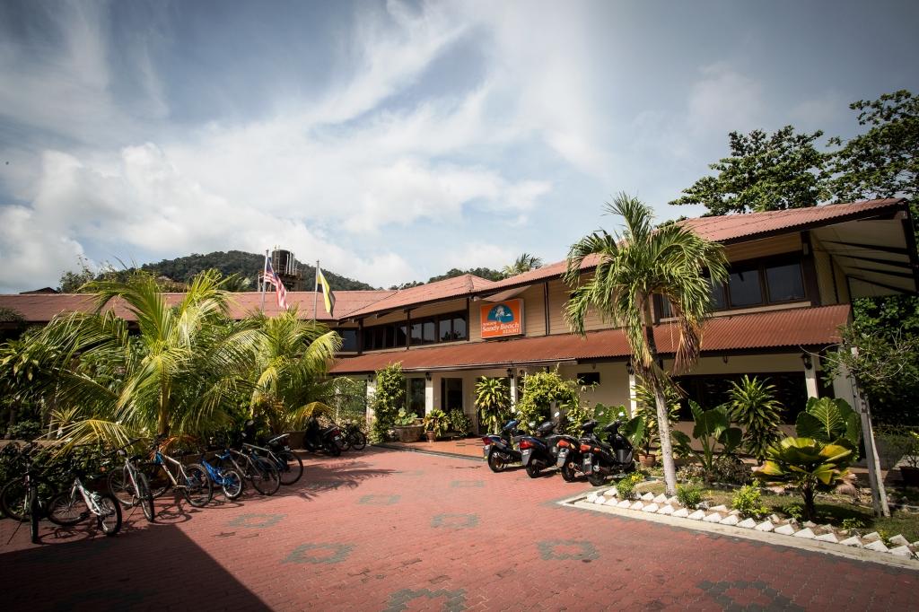 pakej-pulau-pangkor-sandy-beach-resort-surround11