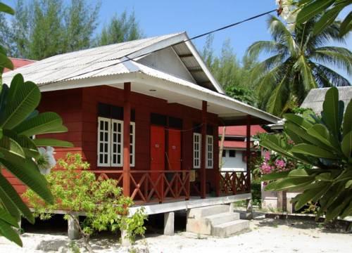pakej-percutian-pulau-perhentian-fauna-beach-chalet-1