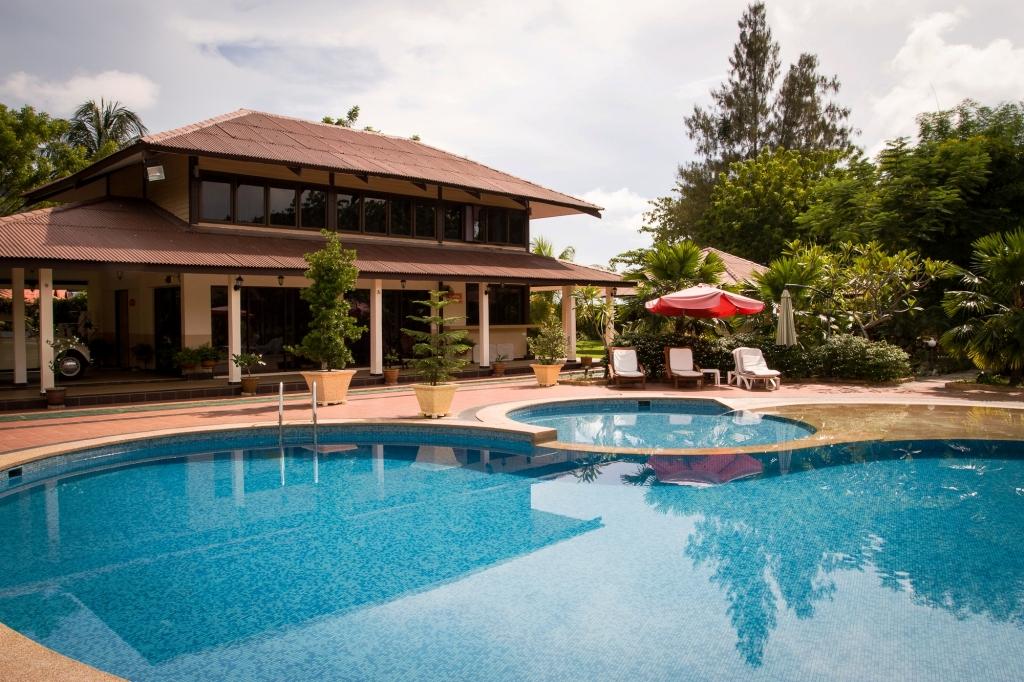 pakej-pulau-pangkor-sandy-beach-resort-surround4