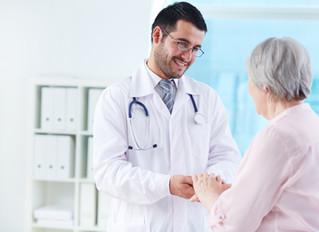 Planos de saúde retomam médicos de família e conseguem redução de até 30%