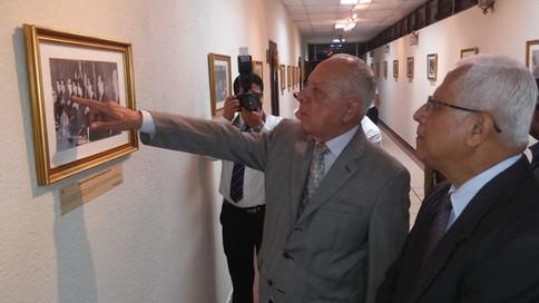 La exposición se realiza en la Senda de las Artes del Palacio Legislativo