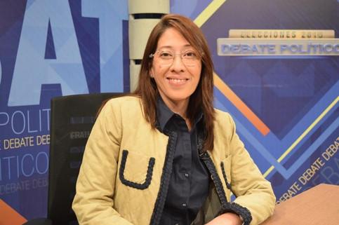 Carmen Aída Lazo en entrevista Debate             Político de Canal 33