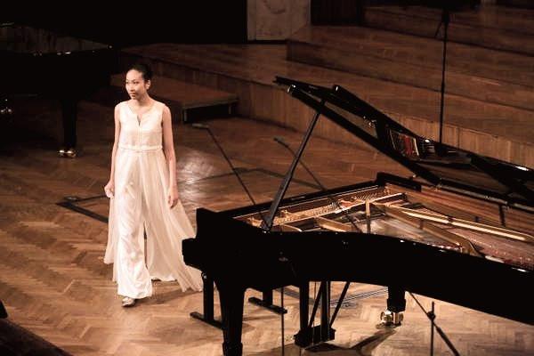 Arisa Onoda - Warsaw Philharmonic, Poland