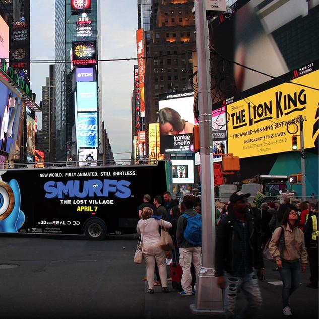 Smurfs (double decker bus)
