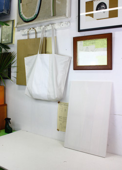 Bag_Art(White), 2017, fabric bag and canvas, 35x52cm