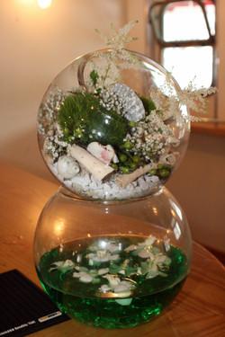 Goldfish bowl arrangement